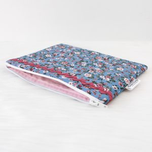 Midi Pouch Blue Roses