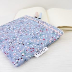 Midi Pouch Winterflower